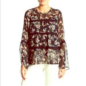 EUC💕Pretty Sheer Crochet Bell Sleeved Blouse